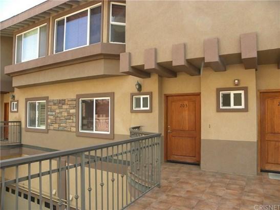 5241 Colodny Drive 203, Agoura Hills, CA - USA (photo 3)