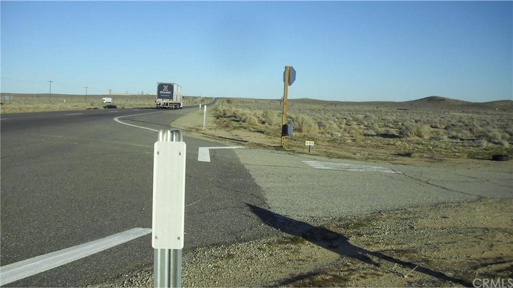 Highway 58, California City, CA - USA (photo 1)