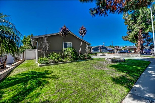 8392 Daren Circle, Huntington Beach, CA - USA (photo 3)