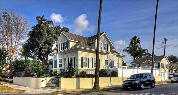 702 11th Street, Huntington Beach, CA - USA (photo 1)