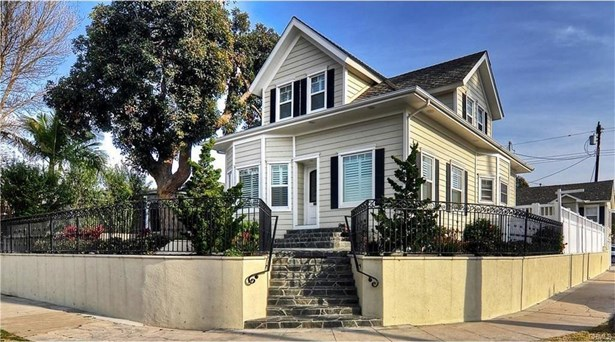 702 11th Street, Huntington Beach, CA - USA (photo 2)