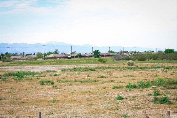 14590 Hwy 395, Adelanto, CA - USA (photo 4)