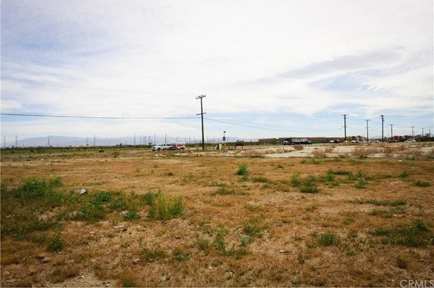 14590 Hwy 395, Adelanto, CA - USA (photo 5)