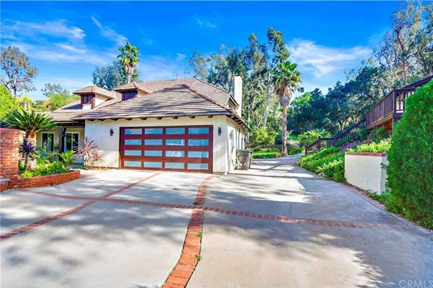220 S Country Hill Road, Anaheim Hills, CA - USA (photo 1)