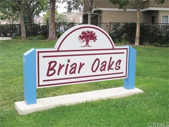 10337 W Briar Oaks Drive B, Stanton, CA - USA (photo 2)