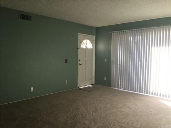 10337 W Briar Oaks Drive B, Stanton, CA - USA (photo 3)