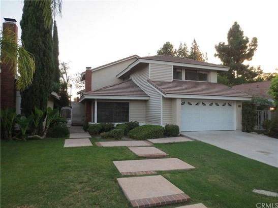 31 Brookstone, Irvine, CA - USA (photo 1)