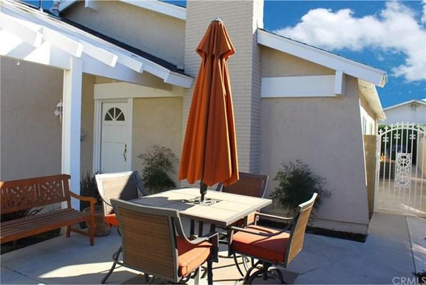 11590 Panay Street, Cypress, CA - USA (photo 2)
