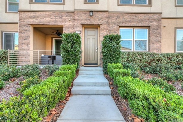 6027 Satterfield Way, Chino, CA - USA (photo 1)