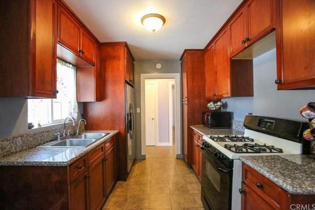 1306 W Willits Street, Santa Ana, CA - USA (photo 5)