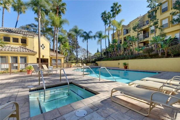 3416 Hathaway Avenue 219, Long Beach, CA - USA (photo 2)