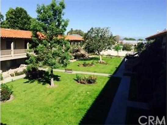 531 S La Veta Park Circle 241, Orange, CA - USA (photo 2)