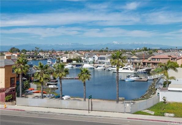 16977 8th Street, Sunset Beach, CA - USA (photo 2)