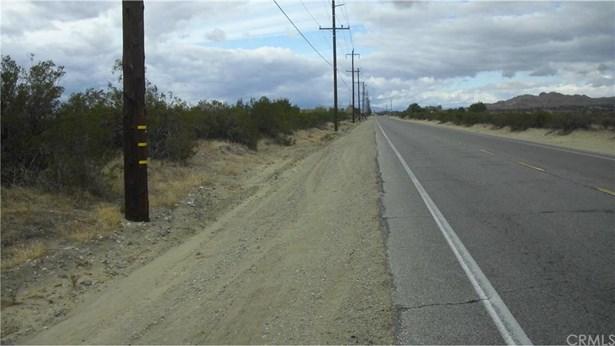 E Palmdale Boulevard Pav /vi, Palmdale, CA - USA (photo 3)