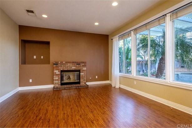 221 Pearwood Lane, Corona, CA - USA (photo 4)