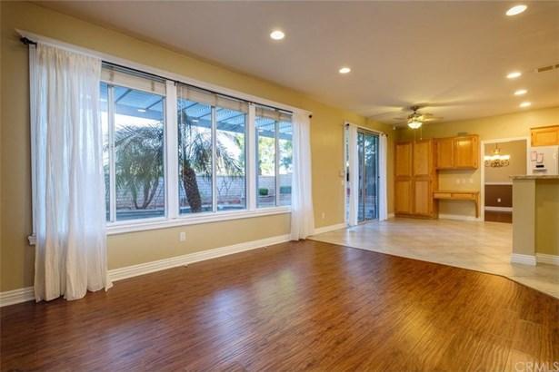 221 Pearwood Lane, Corona, CA - USA (photo 5)