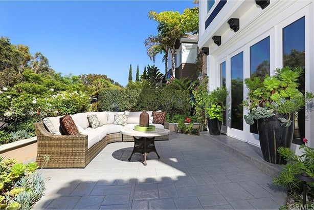 212 Poinsettia Avenue, Corona Del Mar, CA - USA (photo 2)