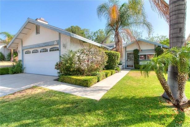 1125 Blossom Hill Drive, Corona, CA - USA (photo 2)