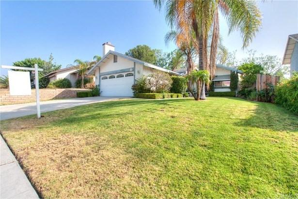 1125 Blossom Hill Drive, Corona, CA - USA (photo 4)