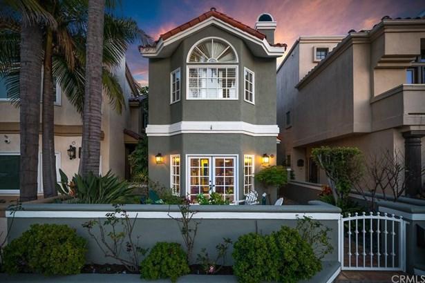 210 8th Street, Huntington Beach, CA - USA (photo 1)