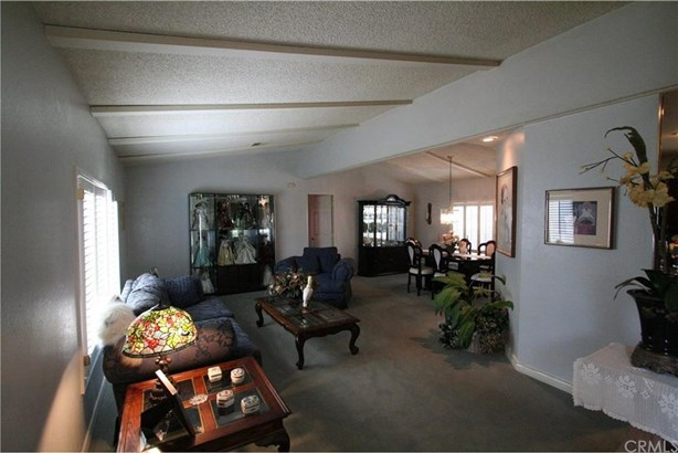 10090 Stageline Street, Corona, CA - USA (photo 2)