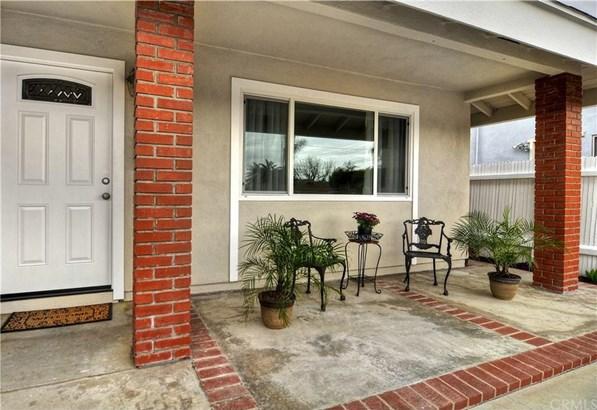 8441 Friesland Drive, Huntington Beach, CA - USA (photo 2)