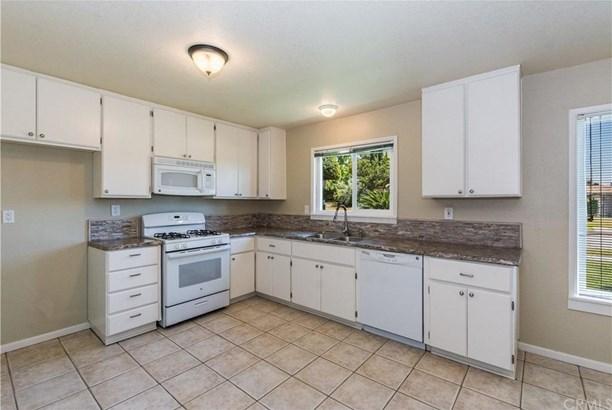 1371 N 3rd Avenue, Upland, CA - USA (photo 5)