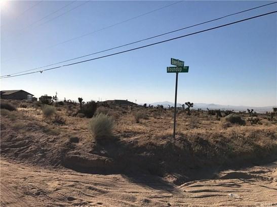 0 Roundup Way, Apple Valley, CA - USA (photo 3)