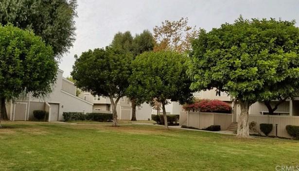 2830 W Segerstrom Avenue E, Santa Ana, CA - USA (photo 3)