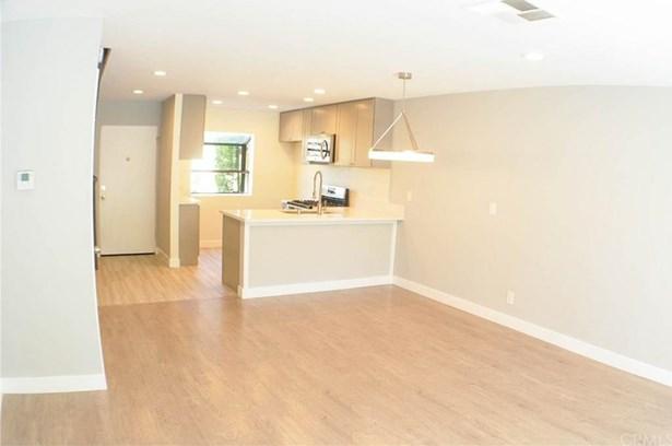 12750 Centralia Street 202, Lakewood, CA - USA (photo 3)
