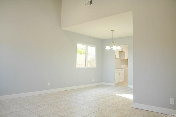 13199 Terry Court, Moreno Valley, CA - USA (photo 5)