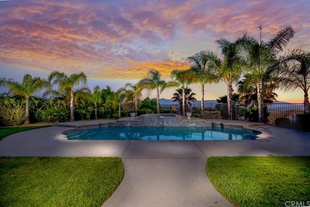 6331 Garden Hills Way, Riverside, CA - USA (photo 2)