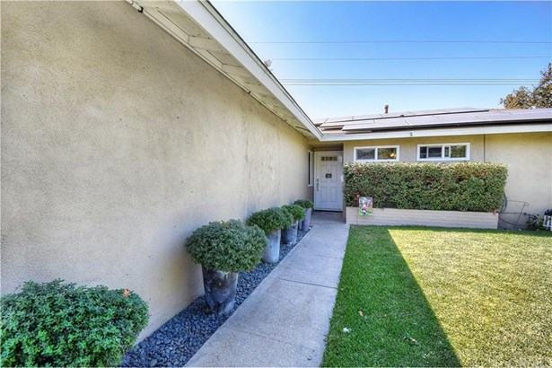 3325 W Hood Avenue, Santa Ana, CA - USA (photo 4)