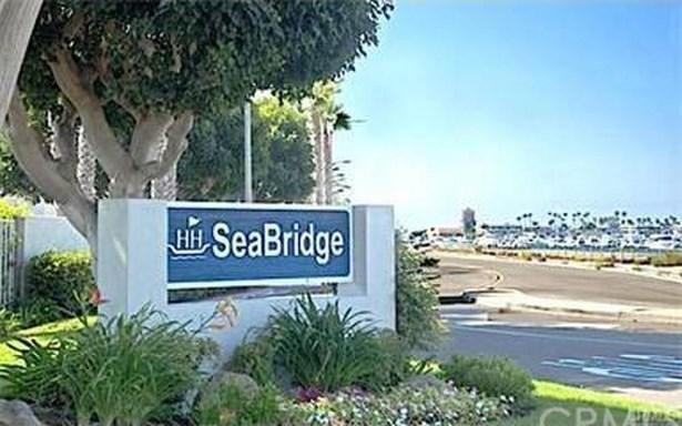 16065 Surprise Lane, Huntington Beach, CA - USA (photo 1)