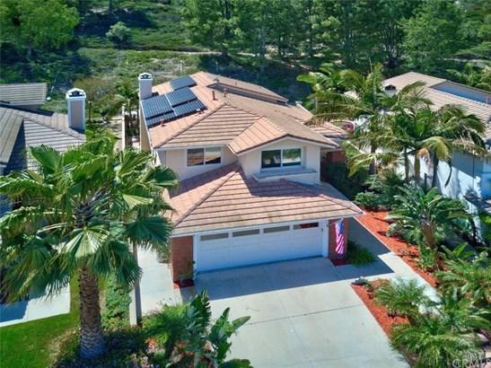 947 S Silver Star Way, Anaheim Hills, CA - USA (photo 2)