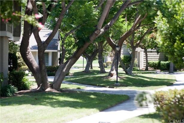 10 Black Oak, Irvine, CA - USA (photo 2)