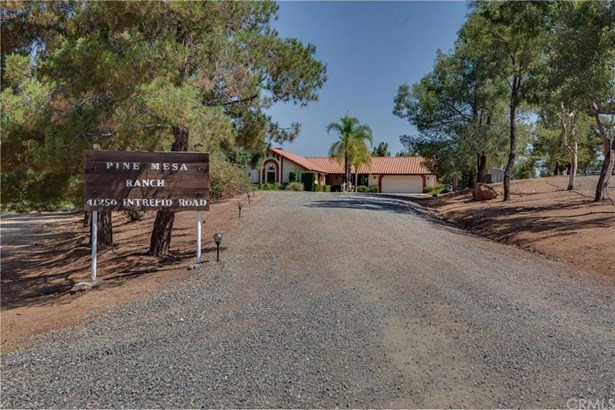 41250 Intrepid Road, Hemet, CA - USA (photo 4)