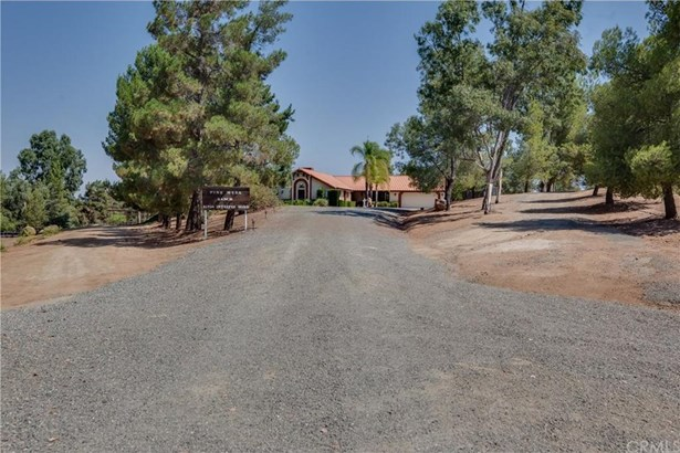 41250 Intrepid Road, Hemet, CA - USA (photo 5)
