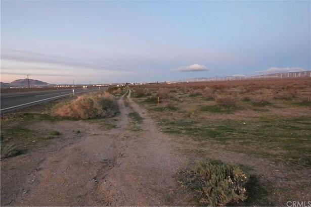 State Hwy 14, Mojave, CA - USA (photo 2)