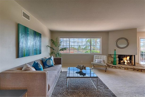 2540 Hartford Avenue, Fullerton, CA - USA (photo 4)