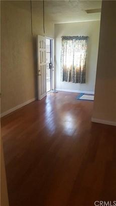 910 N Tamarind Avenue, Compton, CA - USA (photo 5)