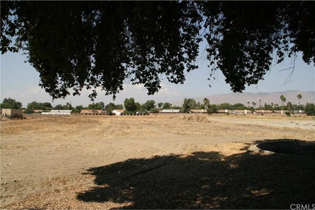 2160 W Menlo Avenue, Hemet, CA - USA (photo 2)