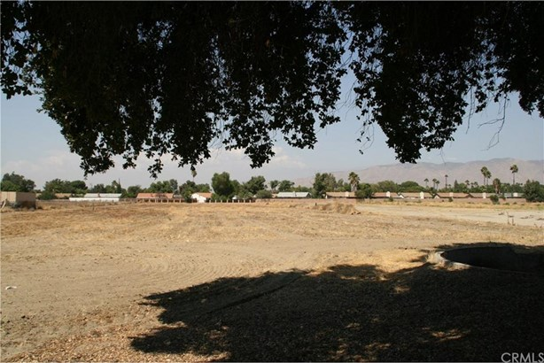 2160 W Menlo Avenue, Hemet, CA - USA (photo 3)