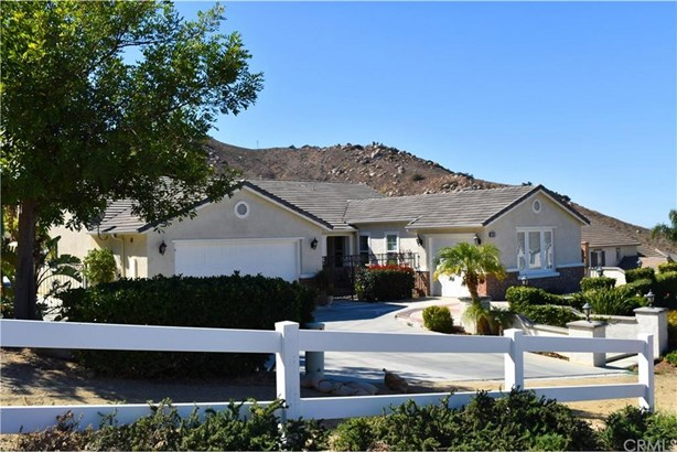 2820 Crestview Drive, Norco, CA - USA (photo 1)
