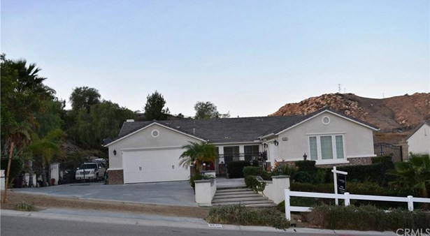 2820 Crestview Drive, Norco, CA - USA (photo 2)