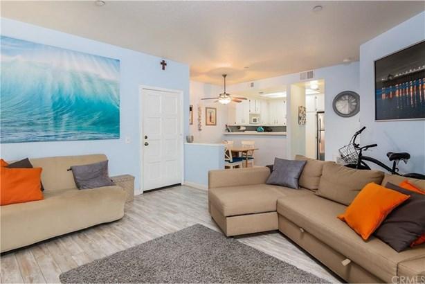 16960 Algonquin Street 2-101, Huntington Beach, CA - USA (photo 3)