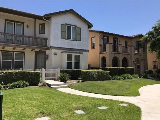 8032 Holland Park Street, Chino, CA - USA (photo 2)