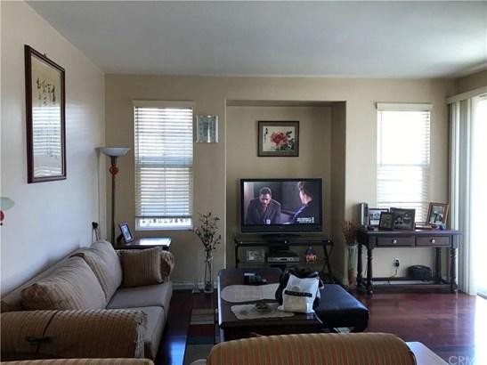 8032 Holland Park Street, Chino, CA - USA (photo 5)