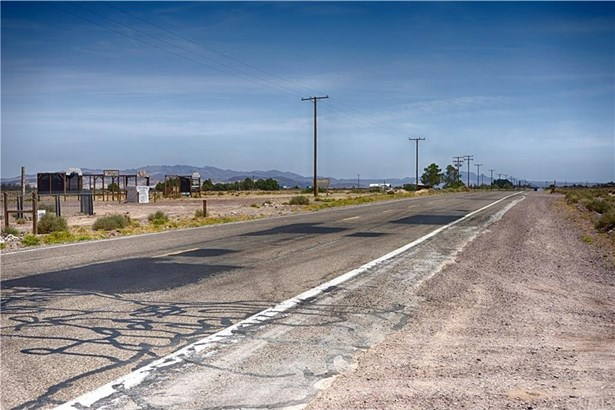 0 Route 66 + Mini Ranch Lane, Newberry Springs, CA - USA (photo 1)