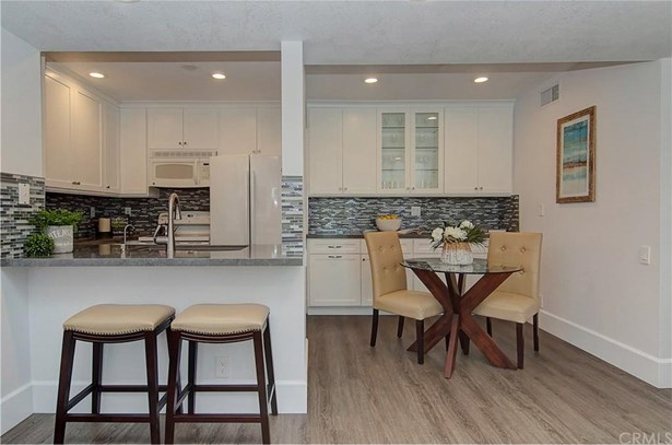 25712 Le Parc 28, Lake Forest, CA - USA (photo 5)